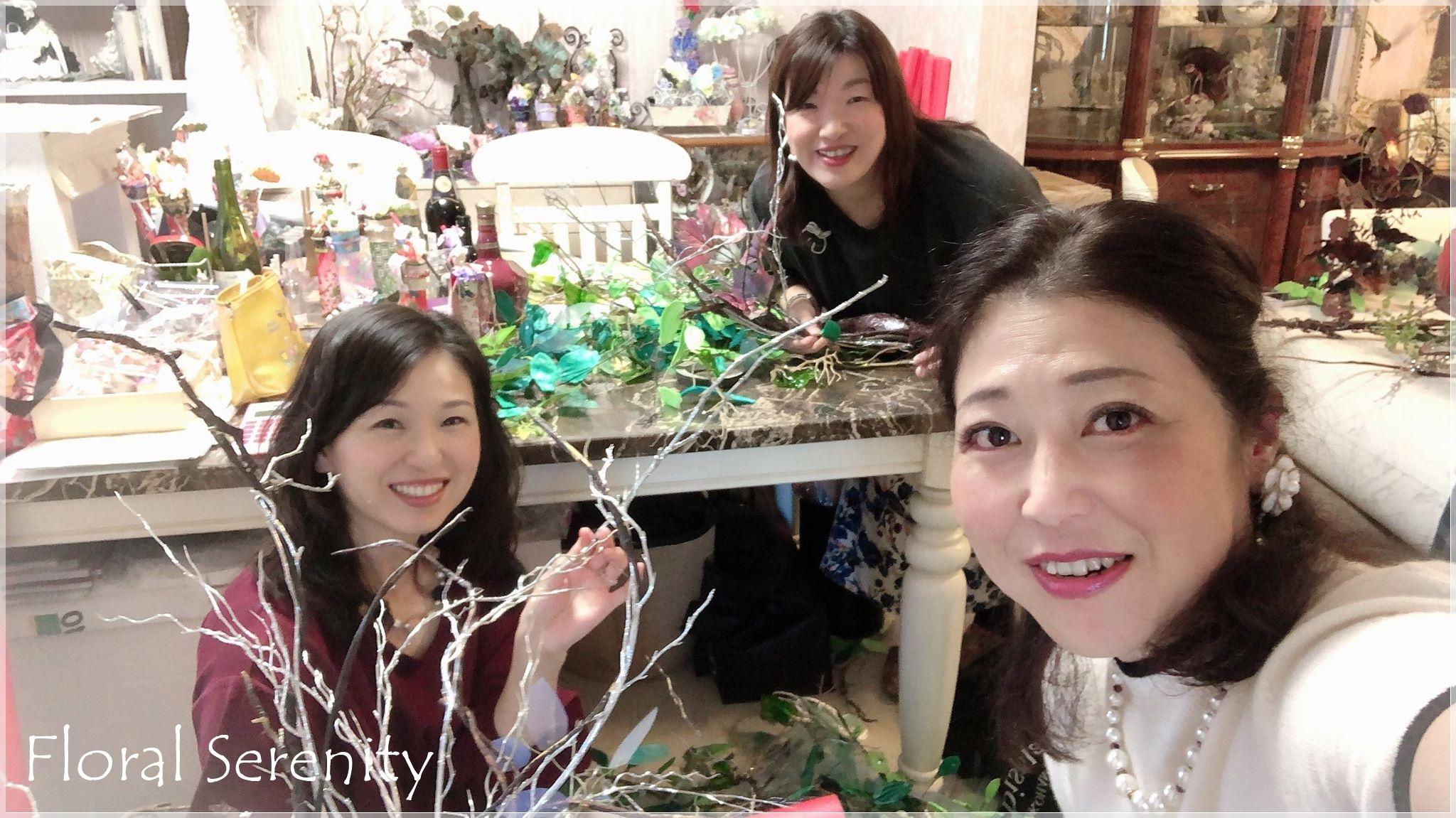 中国二胡フラワー装飾作業風景