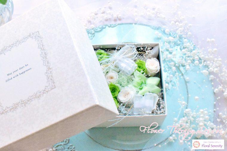 緑と白のフラワーボックス